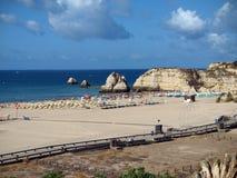 海滩da portimao普腊亚rocha 免版税图库摄影