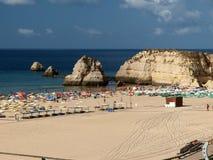 海滩da portimao普腊亚rocha 免版税库存照片