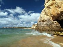 海滩da portimao普腊亚rocha 库存图片