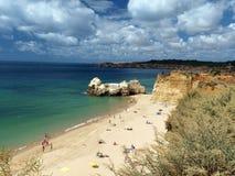 海滩da portimao普腊亚rocha 图库摄影