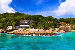 海滩digue旅馆la热带的塞舌尔群岛 免版税库存图片