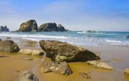 海滩ecola俄勒冈公园岩石状态美国 库存图片