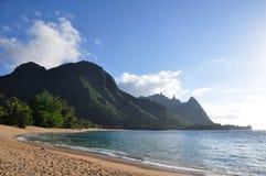 海滩hanalei夏威夷近考艾岛 免版税库存照片