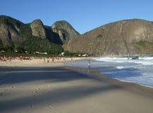 海滩itacoatiara视图 图库摄影