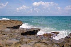 海滩jettie 免版税图库摄影