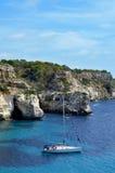 海滩macarella menorca西班牙 库存图片
