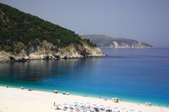 海滩myrtos绿松石 库存图片