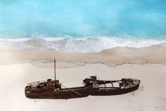 海滩navagio zakynthos 免版税库存照片