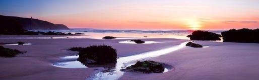 海滩porthtowan的cornwall 库存图片