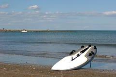 海滩sailboard 免版税库存照片
