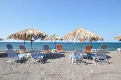 海滩santorini 库存照片