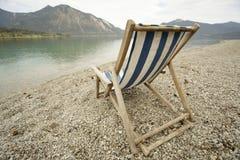 海滩sunbed 免版税库存照片