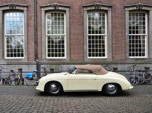海牙,荷兰- 2015年5月8日:在海牙的经典保时捷356 免版税库存照片