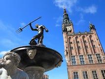 海王星喷泉和市政厅在格但斯克,波兰 库存图片