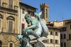 海王星喷泉在一个夏日在佛罗伦萨,意大利 库存照片