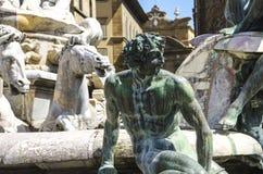 海王星喷泉在一个夏日在佛罗伦萨,意大利 免版税库存照片