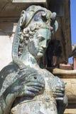 从海王星喷泉的波隆纳美人鱼  免版税库存照片