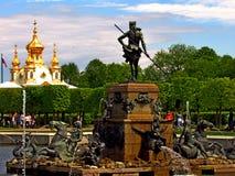 海王星喷泉,上部庭院, Peterhof 免版税库存照片