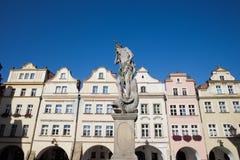 海王星雕塑和历史的议院在Jelenia Gora 库存照片
