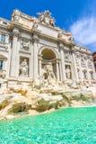 海王星雕象和Trevi喷泉在罗马,意大利 库存照片