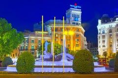 海王星Fountain Fuente de Neptuno和Westin华园大饭店 库存图片