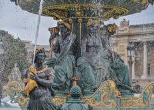 海的喷泉协和广场的 库存照片