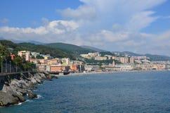 从海的宏伟的视图古城意大利 免版税库存照片