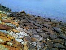 海的岩石秀丽 免版税库存图片