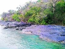海的岩石秀丽 图库摄影