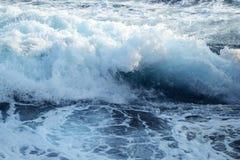 海的恼怒的波浪 免版税图库摄影