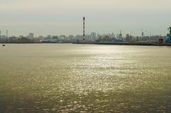 海的水的亮光 免版税库存照片