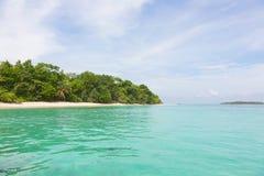从海的海岛 免版税库存图片