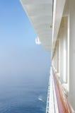 从海的游轮的阳台的看法 库存图片