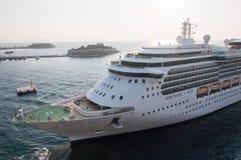 海的皇家加勒比船小夜曲 图库摄影