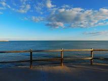 海的看法从散步的 免版税库存照片