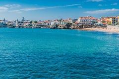 海的看法在卡斯卡伊斯,葡萄牙 免版税库存图片