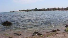 从海的短的录影在切尔诺莫雷茨附近和岸的岸 股票录像