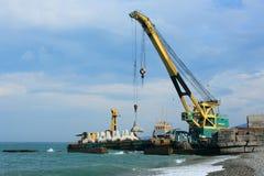海的起重机 免版税库存图片