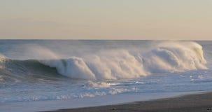 海的风雨如磐的波浪 股票录像