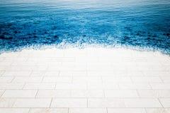 海被充斥的大理石地板, 免版税库存图片