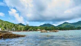 海视图在一热的天 免版税库存照片