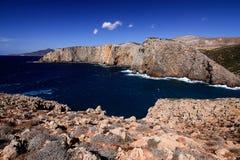 海视图在Cala Domestica,撒丁岛,意大利 免版税图库摄影