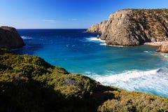 海视图在Cala Domestica,撒丁岛,意大利 免版税库存图片