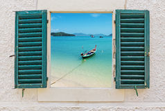 海视图通过开窗口 图库摄影