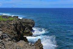 海角在冲绳岛北部的Hedo海岸线  库存图片