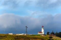 海角在太平洋海岸的布兰科灯塔,在1870年修造 免版税库存照片