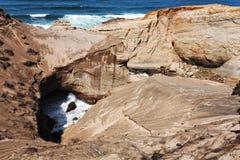 海角峭壁入口kiwanda海运 免版税库存照片