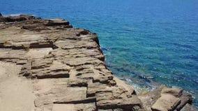 海角的鸟瞰图,海岸,峭壁,俯视海的峭壁 影视素材