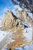 海角Burkhan在奥尔洪岛的僧人岩石Baikal湖的 免版税库存图片