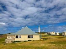 海角Leeuwin在海,西部A附近的灯塔看守人村庄 免版税库存图片